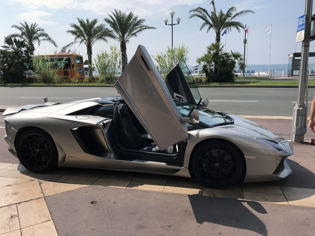 Reservation of a vehicle and rental an exotic exclusive car in Monaco