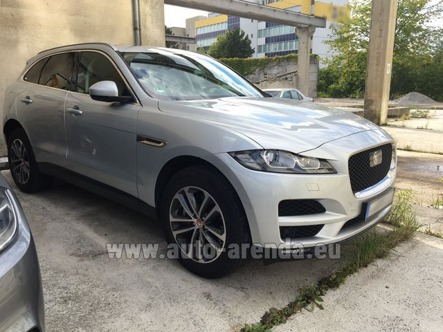 Rental Jaguar F-Pace in Fontvieille