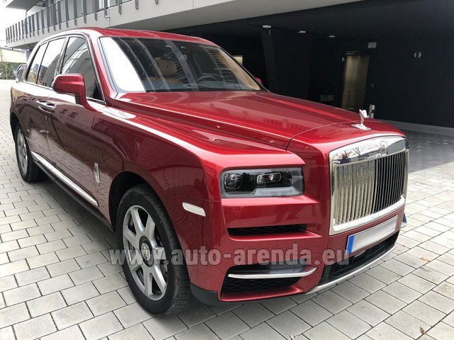 Rental Rolls-Royce Cullinan in La Condamine